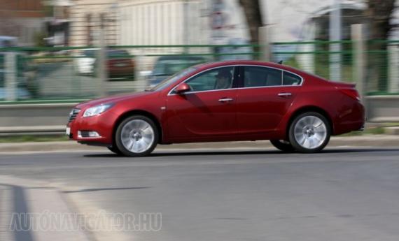 Opel Insignia 2.0 CDTI Ecotec Cosmo Aut. - Autónavigátor.hu