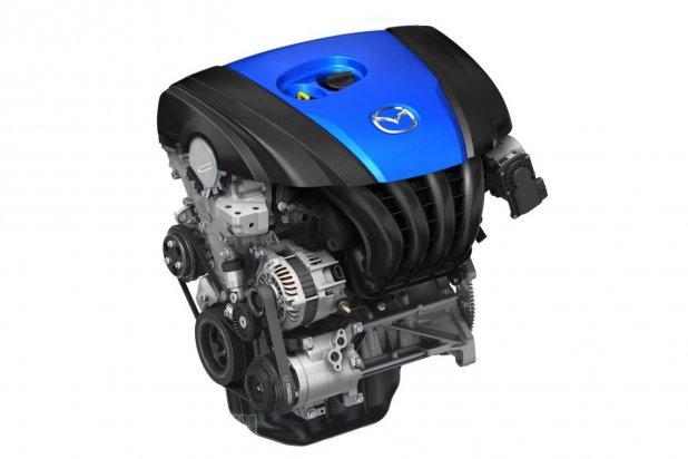Benzinesként és dízelként is egyező sűrítési arány és relatíve nagy lökettérfogat, közvetlen befecskendezéssel, turbók nélkül. Ez a Mazda Skyactiv motorcsaládja
