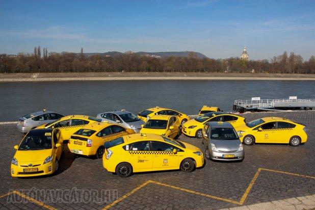 Legyen Prius II vagy Prius III, mindkettő tökéletes taxizásra