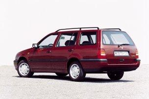 Etalonok? A Golf tőlünk nyugatra, az Astra nálunk jelentette a nagybetűs Autót. És jelenthetik még ma is, de vigyázni kell a lestrapált darabokkal. Golfból most épp nem találtunk elfogadhatót