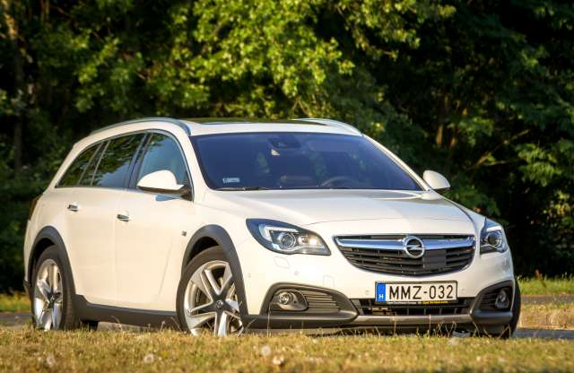 Opel Insignia Country Tourer 2.0 Turbo AT6 4x4 teszt