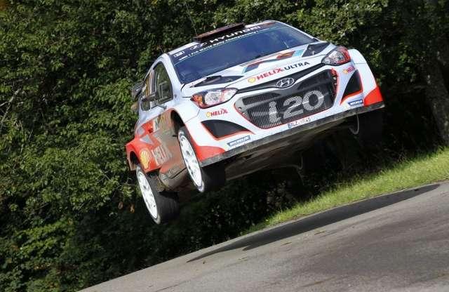 WRC: szinte minden menő kiesett, először nyert a Hyundai