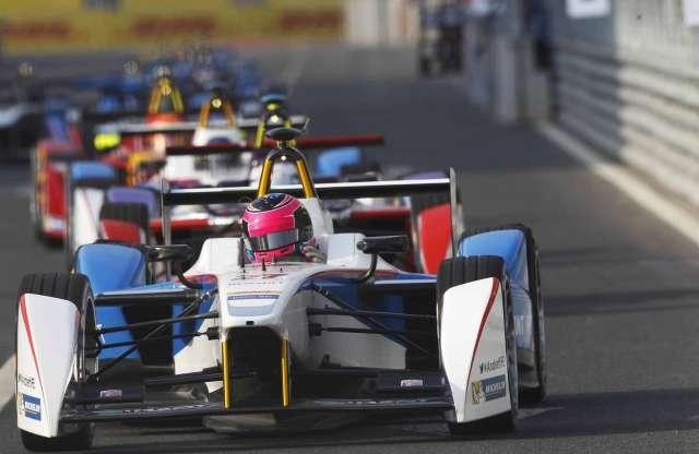 Ijesztő balesettel indult a Formula E