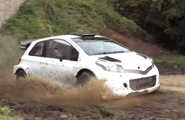 Videón dagonyázik a Toyota Yaris WRC