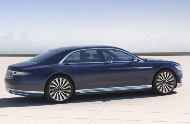 A Bentley formatervezője szerint is koppintás a Continental formaterve