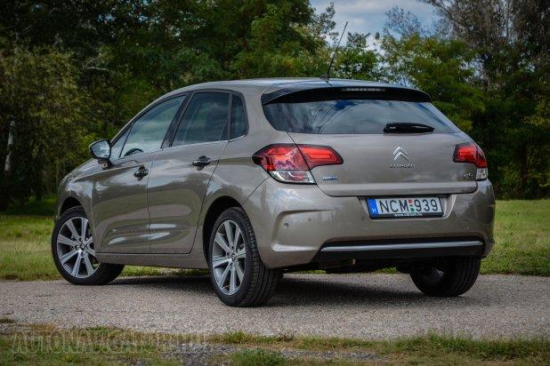 A hátsó 3D LED-es világítás nagy divat idén a Citroënnél. Az összes ráncfelvarrott modell megkapta az új lámpatestet