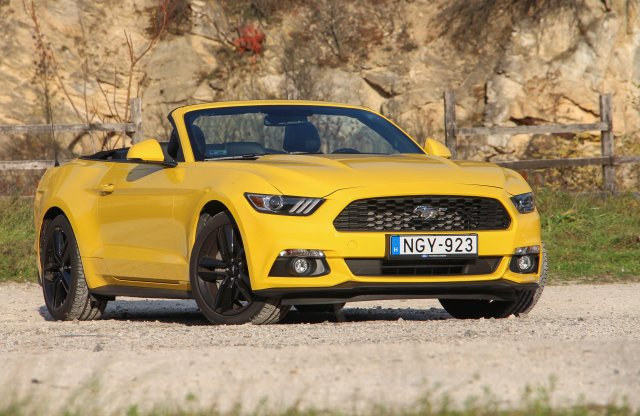 Ford Mustang Convertible 2.3 EcoBoost A6 teszt