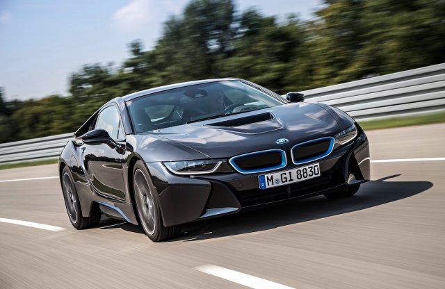 Több ponton is átalakul a BMW i8