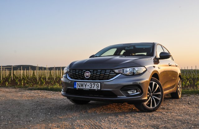 Fiat Tipo 1.4 16V Opening Edition teszt