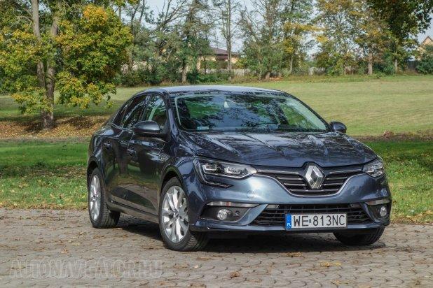 Idén már nem számíthatunk több újdonságra a Renault-tól – csak a Daciától – hiszen a márka 10 idei újdonsága közül a Megane Grandcoupé az utolsó. LED fényszórót is kaphat