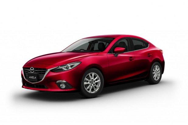 Külsőre Mazda3, műszakilag javarészt Toyota Prius a Mazda3 hibrid