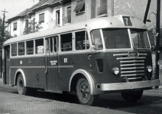 Korai gyártású Ikarus 60, letekerhető oldalablakokkal