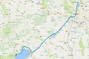 Három kilométert nyertem és 19 percet vesztettem, de jobban megérte egy párórás rendezvény erejéig többet utaznom, mint pár óra erejéig kifizetni az autópályadíjat, az országút sokkal élvezhetőbb is volt