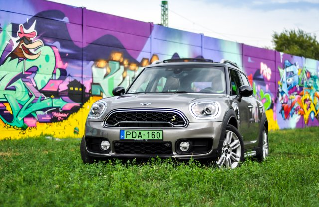 Mini Cooper S E Countryman 4ALL teszt