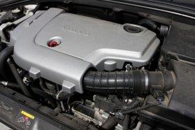 Saját fejlesztés az öthengeres D5 dízelmotor