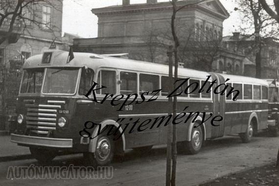 Íme, az első! Ez volt a GA-12-00, amellyel 1960 novemberében új fejezet kezdődött a fővárosi autóbusz-közlekedésben