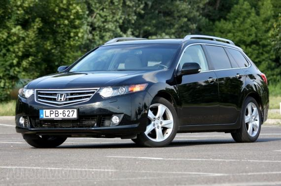 honda accord tourer 2 2 i dtec teszt aut navig. Black Bedroom Furniture Sets. Home Design Ideas