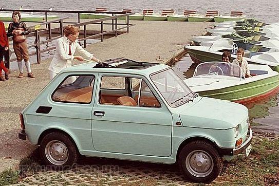 Nem sok Kispolszkinak vágták ki így a tetejét, bezzeg a régi Fiat 500-ashoz anno szériatartozék volt hatalmas, nyitható tető