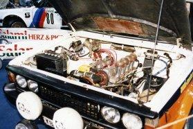 A motor a Fiat 131 Abarth-ból származott, az úthenger kerék pedig igazi jellegzetessége volt a B-s autóknak