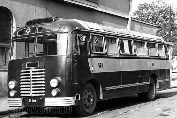 GF 600 − ez volt az első, 1951-es beszerzésű Ikarus 30 a fővárosi forgalomban, amelynek különlegessége, hogy nem a szokásos kék-ezüst fényezést kapta. Ezt a kocsit 1958-ban hivatalosan átadták a távolsági közlekedést bonyolító Mávautnak, ahol GO és GA rendszámokkal futott. 1962-ben selejtezték