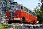 Szomorú tény, de a hazai piacra gyártott közel 1 200 darab Ikarus 30-as autóbuszból összesen egyetlen működőképes példány maradt fenn. Ezt a tatabányai központú Vértes Volán birtokolja − párban egy Ikarus 55-össel -, ahol részben társadalmi munkában, egy néhai patyolatos, valamint egy roncsként fellelt FAÜ-eredetű kocsi összeépítésével született meg a közlekedési vállalat színvilágához illően pirosra festett ritkaság