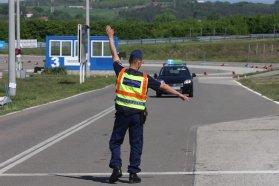 Szeptember 1-től a külföldi rendszámos autók vezetőire ez a sors fog várni: fokozott közúti ellenőrzés. És nem a hatóságnak kell bebizonyítani, hogy jogos-e az autóhasználat!