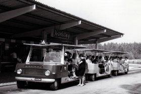 Sokan szerették a mikrobuszokat, a Mávaut összesen 12 szerelvényt helyezett forgalomba. A frontrész az Ikarus 55 fényszóróit és hűtőrácsát kapta