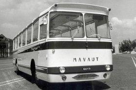 Egyetlen darab készült ebből a panorámás Mávaut turistabuszból, amely egy súlyos balesetet szenvedett Ikarus 55 padlóvázát kapta. A tervezők hátul elhagyták a donor jellegzetes formai megoldását, és sík felületekkel próbáltak valami újat létrehozni