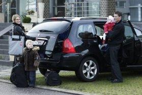 Amennyiben legalább két felnőtt utazik egyszerre, az autó a legolcsóbb közlekedési eszköz. Négyen utazva pedig 50 százalékkal olcsóbb lehet a tömegközlekedésnél