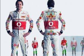 Nem kell új ruhákat gyártani, Button és Hamilton az időmérőkön már körbeautóztatta a versengő overallokat