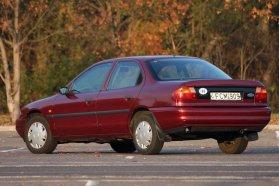 """1996-ban frissítették először, ez még az """"eredeti"""". Ezekkel, az Opel-dísztárcsákkal szinte Vectra a kölni szedán"""