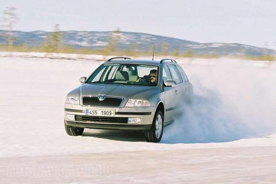 Nem a keresztben autózás a lényeg − 3 millióért 3 éves dízel Octavia kombi kapható Haldex-hajtással és remek ellátmánnyal