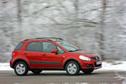 A legjózanabb választás a Suzuki SX4, míg ebben a mezőnyben a Chevrolet Captiva ritka, mint a Toyota Urban Cruiser...