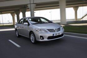 A Corolla ebben a mezőnyben pont olyan, mint maga a Toyota: amolyan középutas