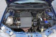 Alapvetően nincs gond a motortérben, az olajszivárgás nem vészes mértékű