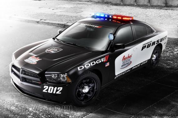 A három amerikai rendőrszedán közül egyértelműen a Dodge a legdögösebb