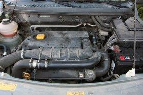 Viszonylag csendes és kellemesen nyomatékos a BMW-től származó Td4 turbódízel
