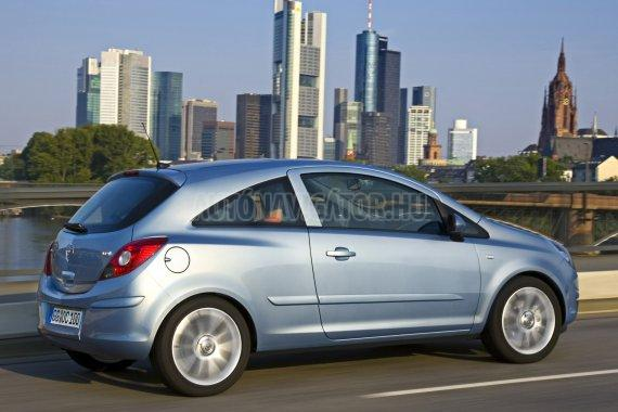 Amíg bizonytalan a vezetési tudás, érdemes kisméretű autóval gyakorolni
