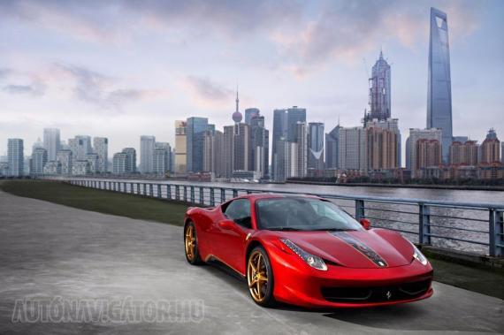 Az új Marco Polo vörös színt direkt e limitált széria kedvéért keverték ki az olasz mágusok. Az erősen aranyos és kicsit sárkányos 458 Italia áráról nem érkezett jelentés