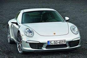 Ön szerint Porsche helyett mit kéne vezetnie a hölgynek?