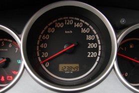 Nem baj, ha az óraállás kicsivel az áhítottnál több, csak igaz, az autó pedig karbantartott legyen