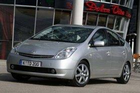 A 2005-ös Év Autóját és ma is remek járgányt tisztelhetünk a Toyota Prius második generációjában