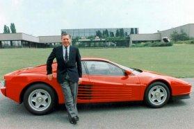 Sergio Pininfarina, 1926-2012 (Háttérben az általa rajzolt Ferrari Testarossa)