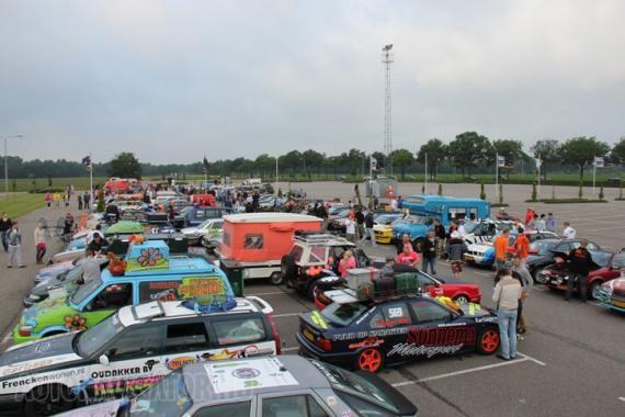 Négy évvel ezelőtt indult útnak az egyedi autókosztümöket bemutató, filléres autókkal induló Carbage Run, idén már csaknem 500 csapat nevezett rá