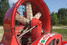 Hatlapátos légcsavar biztosítja az előrejutást