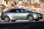 Stílusautó 2 millióért? Az Alfa GT, a Volkswagen New Beetle, a Mini is alternatíva.<br />Már amennyiben inkább a szívünkre hallgatunk, mint az eszünkre