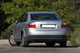 A VW-konszernes autók egyik védjegye, a fényezetlen alsó lökhárító nem valami csinos, ám annál jobban bírja a strapát