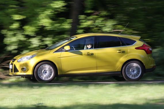 Szuper vezethetőséggel, komoly flottakedvezménnyel és régi jó hírével a Ford Focus az egyik legnépszerűbb alsó-középkategóriás