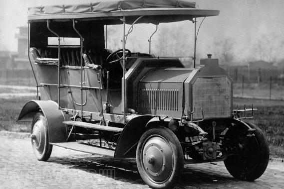 Az első összkerekes 1907-ből, a DMG Dernburg-Wagen