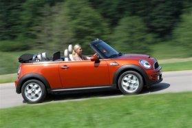Egyedi eset: Miniből jobb egy klasszikus, mint egy friss Cabrio